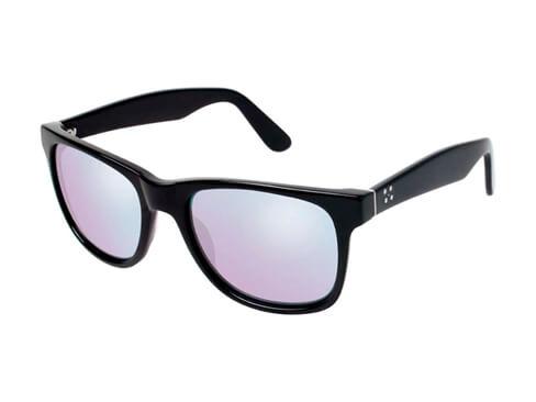 Existen gafas actualmente con filtros especiales para algunos grados de daltonismo, que no están disponibles comercialmente en Honduras por el momento.