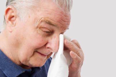 Una adecuada higiene palpebral es fundamental para evitar el aparecimiento de la Blefaritis.