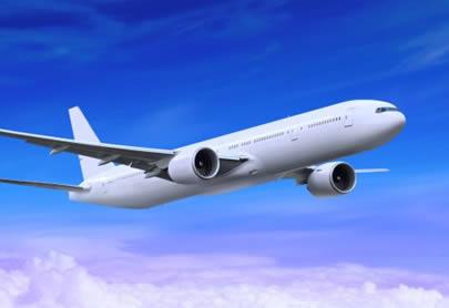 Si va a realizar viajes largos en avión, evite el uso de lente de contacto.