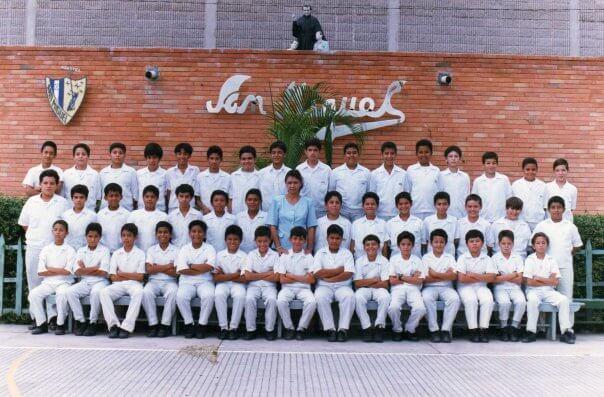 Formación Profesional del Dr. Dacarett - Instituto Salesiano San Miguel
