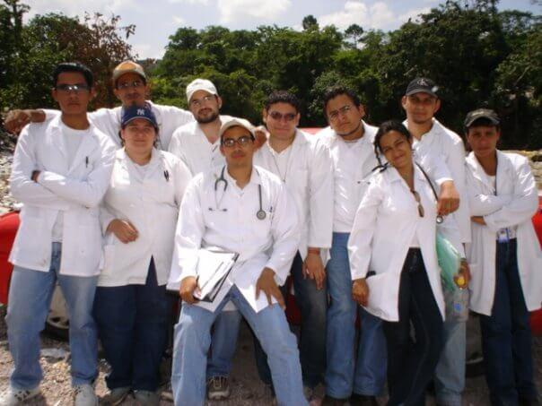 Formación Profesional del Dr. Dacarett - Universidad Nacional Autónoma de Honduras